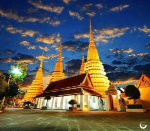 Statue Golden Buddha Bangkok
